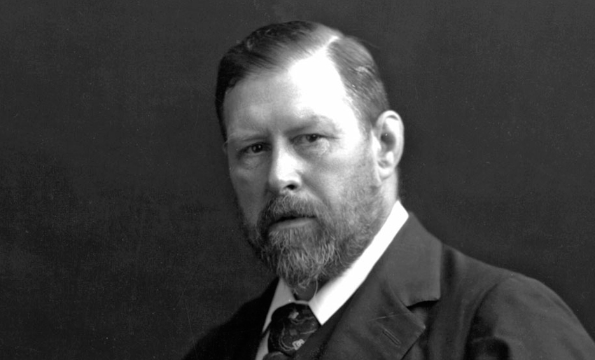 Bram Stoker, an Irish author-actor-playwright, is best known for his novel Dracula.