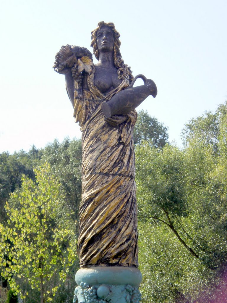 A statue of the Fair Lady of Hungary.