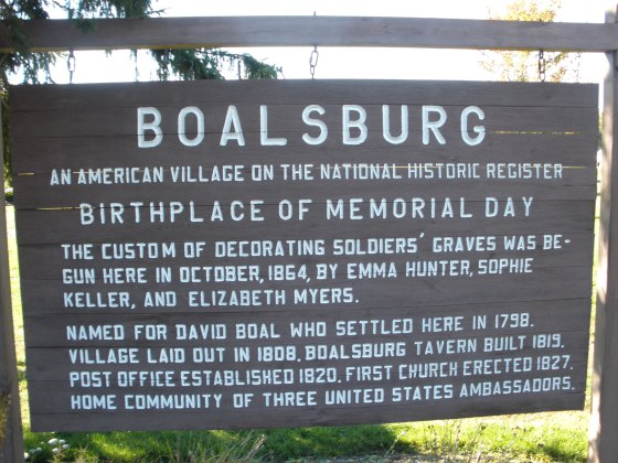 Originally called Decoration Day, the holiday was created to commemorate the roughly 625,000 Union and Confederate soldiers who died during the Civil War.